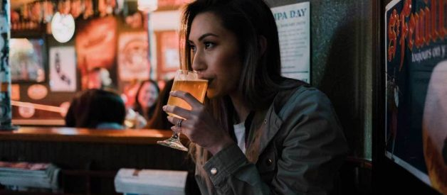 Ăn gì trước khi uống rượu để không say