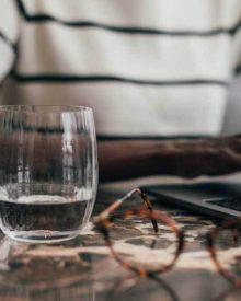 12 Cách đơn giản để giúp bạn uống nhiều nước hơn!