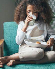 Những khoảng thời gian tốt nhất để uống sữa